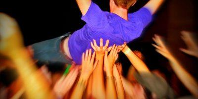 slam-concert-decembre-homme-bleu