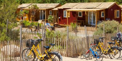 cabane-lheb-vacances-royan-velo-jaune