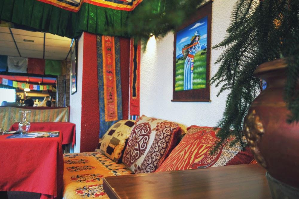 interieur-banquette-restaurant-yak-limoges_1