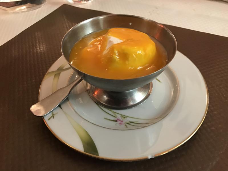 Mention spéciale pour le fromage blanc avec coulis de mangue. Particulièrement bienvenu après un repas épicé