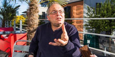 Thierry Berthier est enseignant-chercheur à l'université de Limoges. Il est spécialisé dans le problématiques liées à la cyberdéfense et cybersécurité.