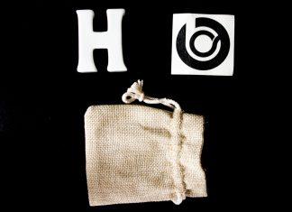lettre-h-lhomme-bleu-porcelaine