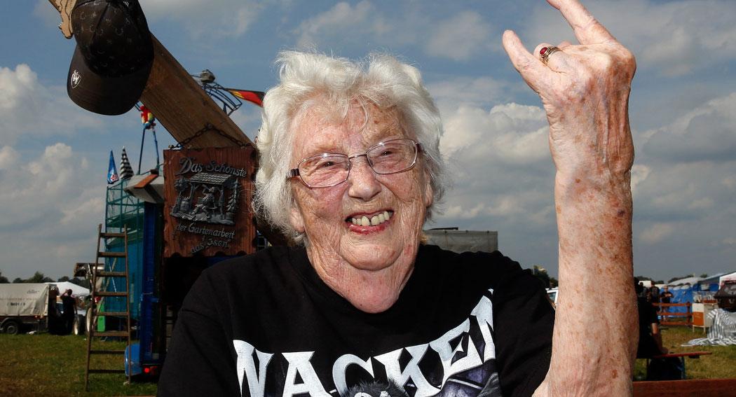 vieille-fan-metal-lol-lheb