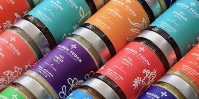 maison-fedon-pots-miel-etiquettes-multicolores
