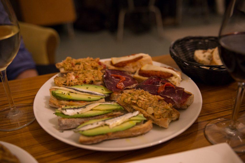 casa-espagne-pintxos-assiette-limoges