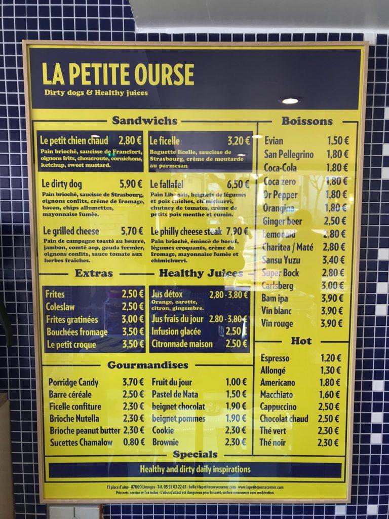 La Petite Ourse propose une sélection de sandwichs chauds et de jus frais. La maison propose aussi des petits déjeuners.