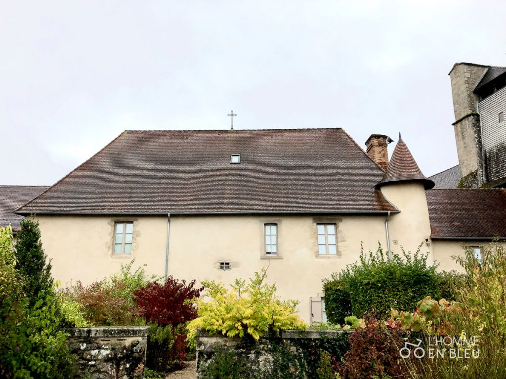 Vue de l'ancienne abbaye de Vicq-sur-Breuilh