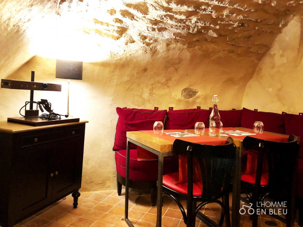 Caseus-restaurant-interieur-cave