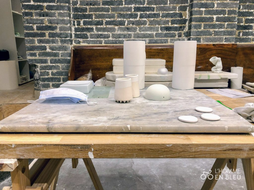 Les pièces en céramique lors de leur création