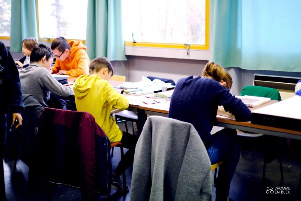 école crayon de bois classe