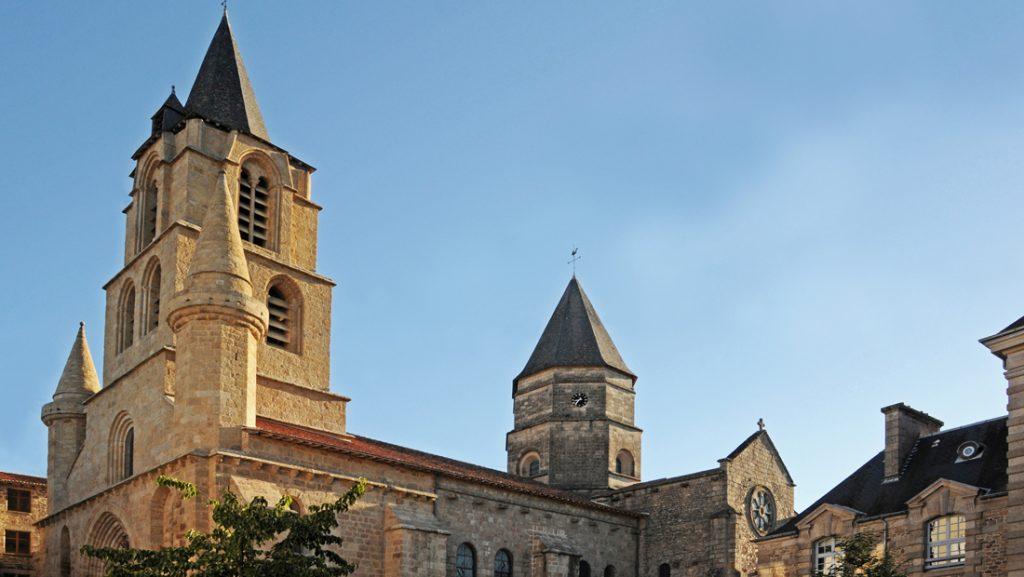 Vue de la Collégiale de Saint-Junien