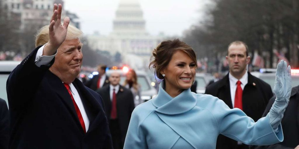 Melania Trump portant des gants fabriqués à Saint-Junien pour l'investiture présidentielle