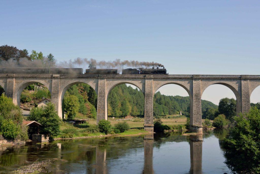 viaduc-pont-train-vapeur-taurion