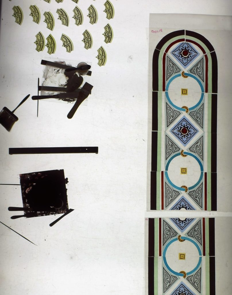 peinture et assemblage atelier du vitrail limoges
