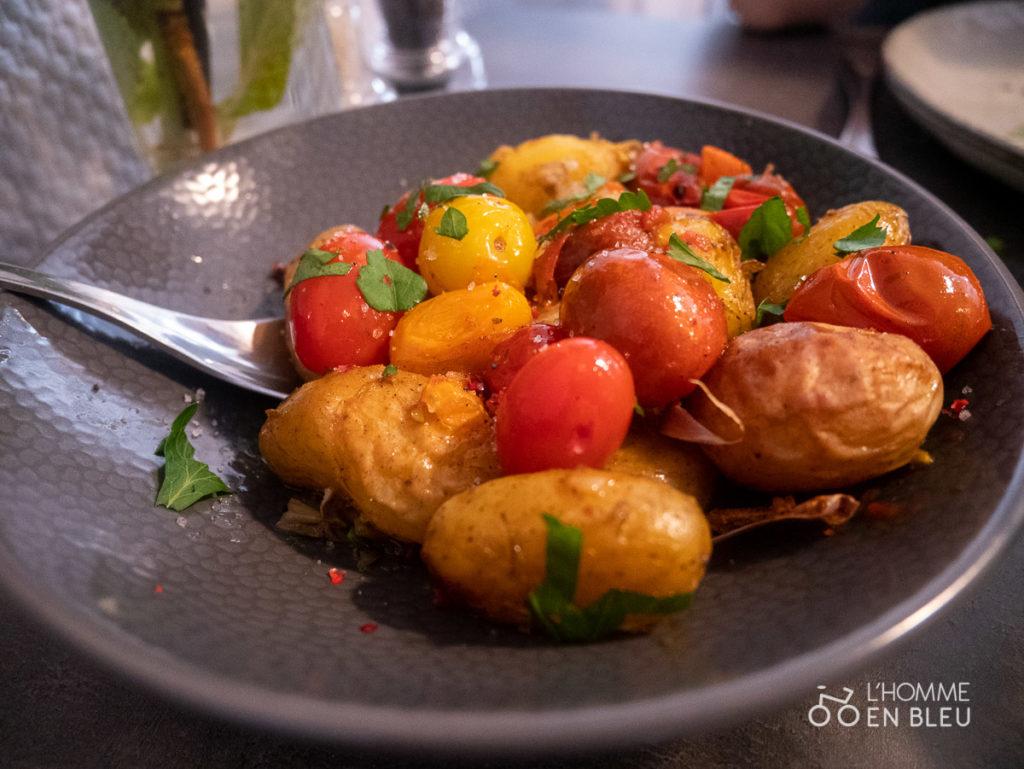 pommes de terre grenaille et tomates cerises confites