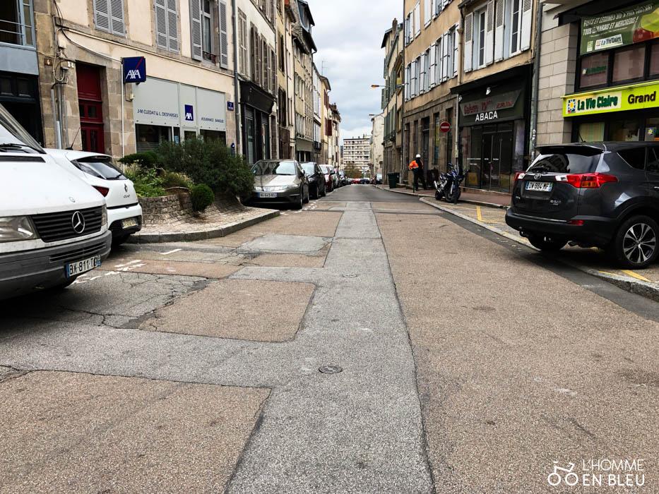 Vue de la rue du Banc Léger sans aucun passage piétons