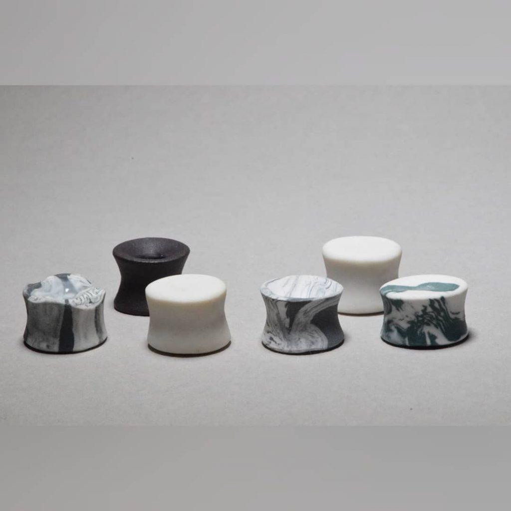 conversations-dcarter-créateur-céramiste-plug-écarteur-porcelaine