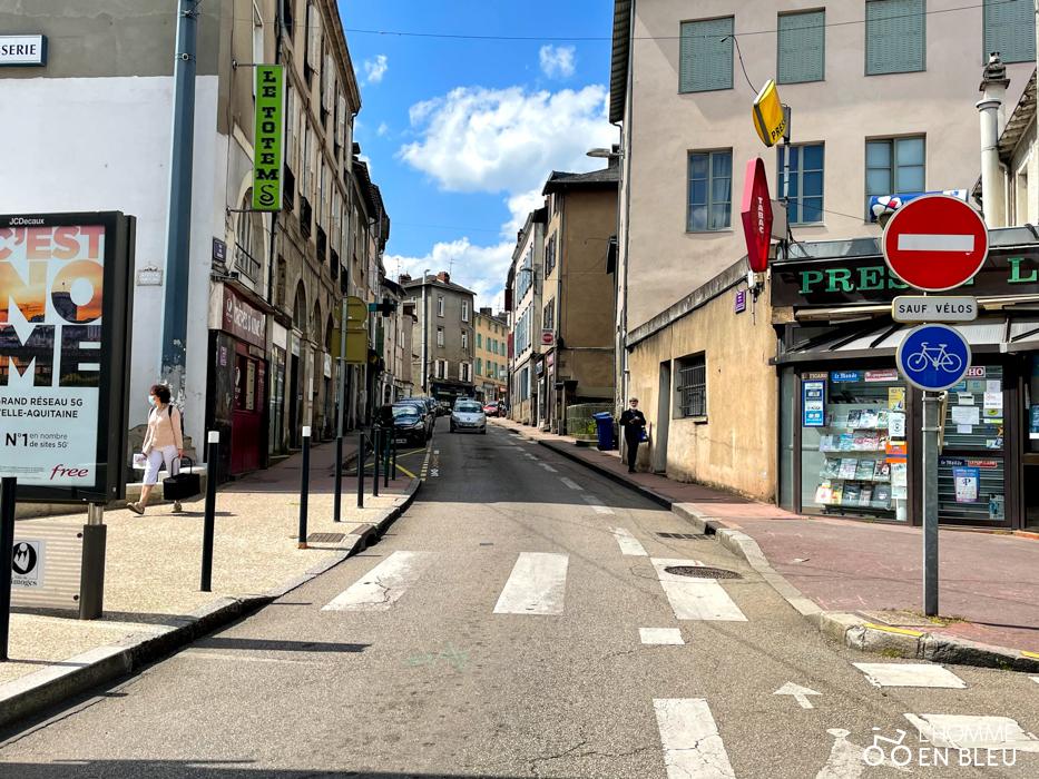 Vue de la rue des Arènes en montant