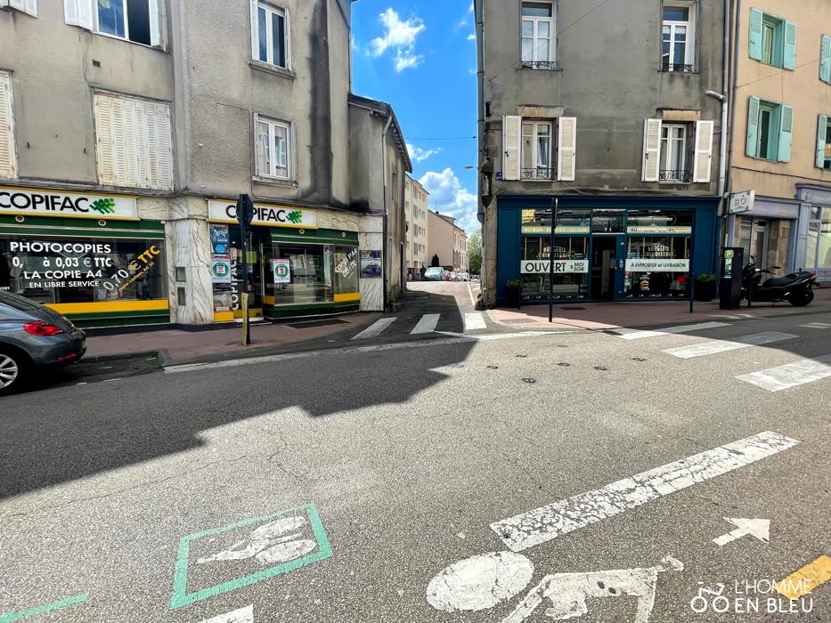 Intersection de la rue des Arènes et de la rue Vochave.